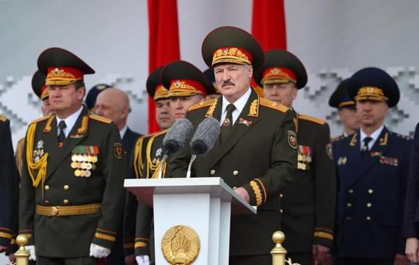 «Мы с вами не допустили гражданского раскола». Лукашенко и Кубраков поздравили милиционеров