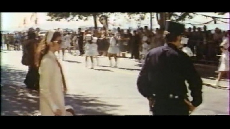 Дама в автомобиле в очках и с ружьем The Lady In The Car With Glasses and a Gun 1970