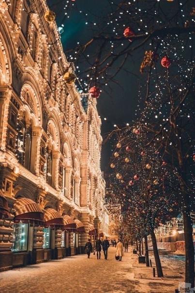 Зимнее... Зима повеет холодом постылымИ будет сыпать в окна колкий снегНо как согреет душу слово-,,милый,,И то простое,тихое-,,привет,,...И в сумерках прозрачных,снежно-белыхВсе от мороза в