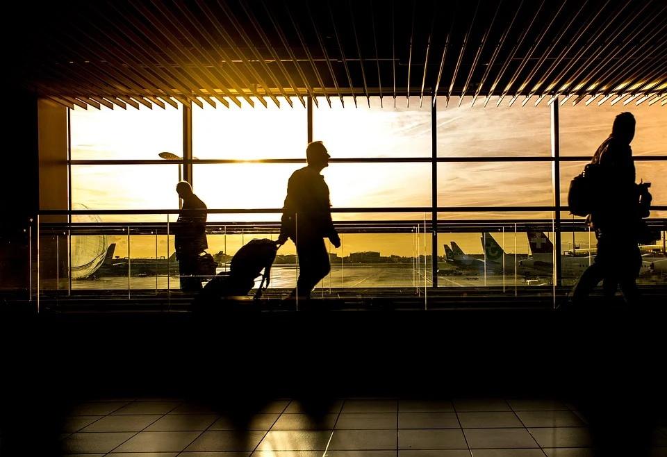 аэропорт зал ожидания самолеты