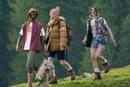 Последние пару лет outdoor-бренды часто создают коллаборации с модными домами. Если для outdoor-компаний это способ расширить аудиторию и понравится не только альпинистам или любителям хайкинга, то для люкса это возможность повысить технологичные свойства вещей и оправдать их высокую стоимость. Самым ярким примером конца 2020 – начала 2021 года стало сотрудничество The North Face и Gucci.