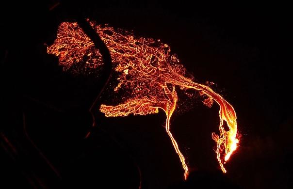 И снова о проснувшихся вулканах: в Исландии проснулся вулкан Фаградальсфьядль (сможете произнести?)
