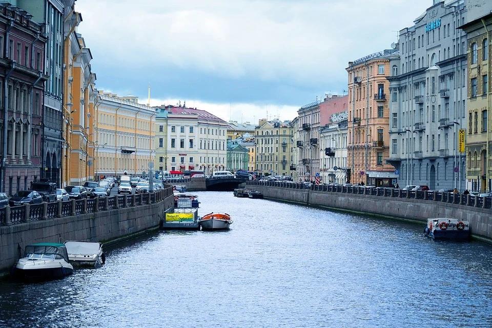 С 12 октября зона платной парковки в центре Петербурга заработает в штатном режиме