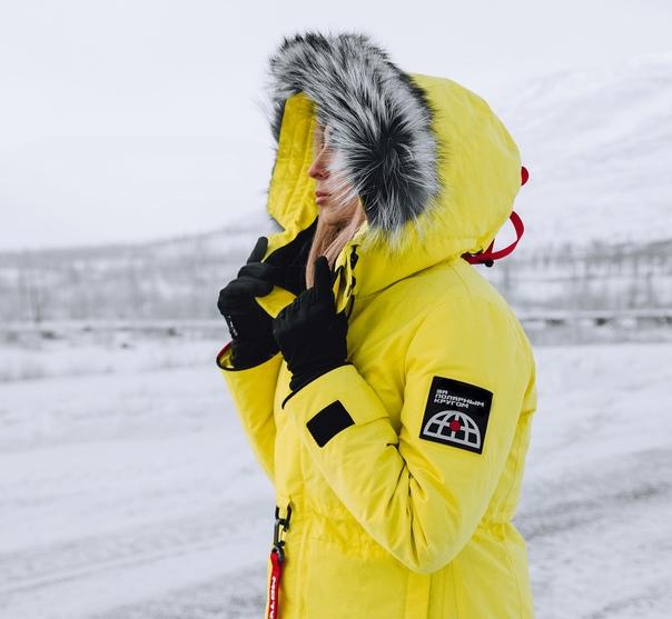 Хороший пуховик – это самая базовая вещь любого зимнего гардероба. В первую очередь он должен греть, защищать от ветра, снега и прочих превратностей погоды, но не стоит забывать и про эстетику. На что следует обращать внимание при покупке пуховика?