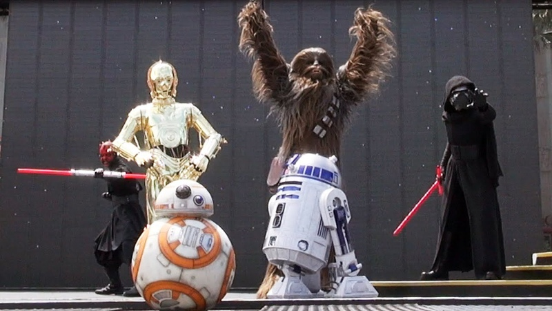 Star Wars A Galaxy Far Far Away Character Appearances at Disney's Hollywood Studios BB 8 Debut