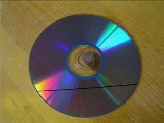 как сделать подставку для мобильника из CD-диска