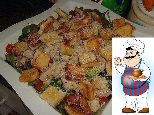 Цезарь с курицей и классическим соусом