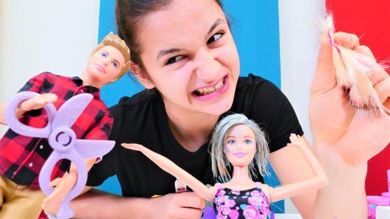 Kuaför oyunu Ken Barbie'nin saçlarını kesince Asu Ela Barbiey'e saç kaynağı yapıyor