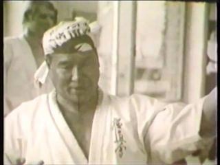 Masutatsu Oyama. Old video kyokushin karate technics (1971)