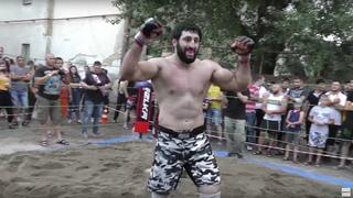 Самоуверенный взрослый мужик против крутого байкера из Дагестана