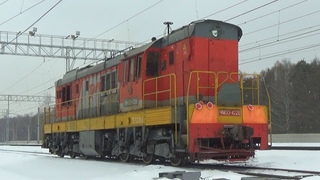 Тепловоз ЧМЭ3-4228 следует по новому 6 пути станции Железнодорожная