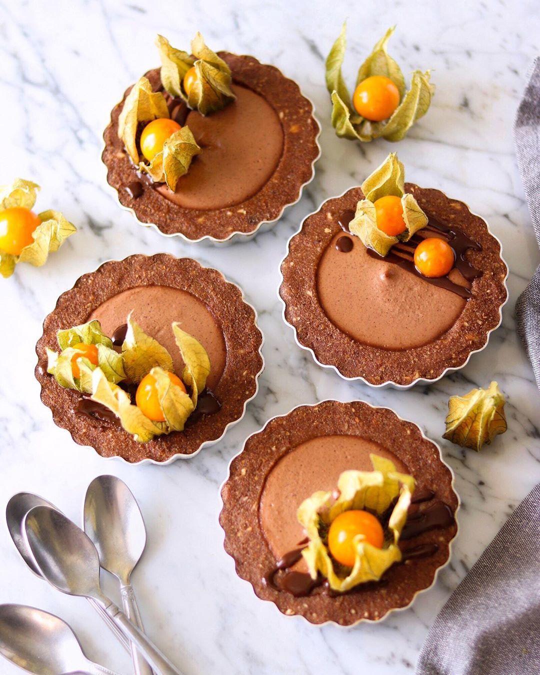 Веганские шоколадные тарталетки с нутеллой без выпечки
